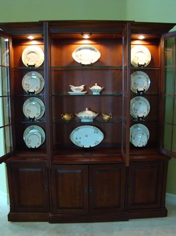 Dinner plates on plate stands step 3 - MattandShari.com & The Art of Accessorizing a China Cabinet | Plate stands China ...