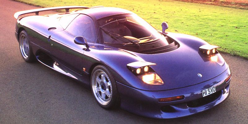 The World S First Fully Carbon Fiber Car Jaguar Only Made 53 Examples Of The Xjr 15 Which Had 450 Bhp We Imagine It To Be Quit Super Cars Jaguar Jaguar Car