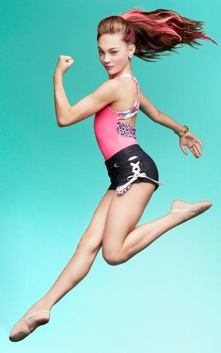 "Maddie Ziegler Capezio Betsey Johnson Photo Shoot Pics: ""Dance Moms"" Star Has Pink Hair - Twist"