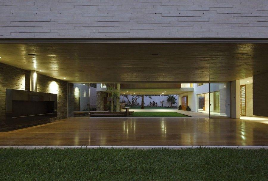 Wohnzimmer-Innenarchitektur, opulente Villa mit Envinronment Trog
