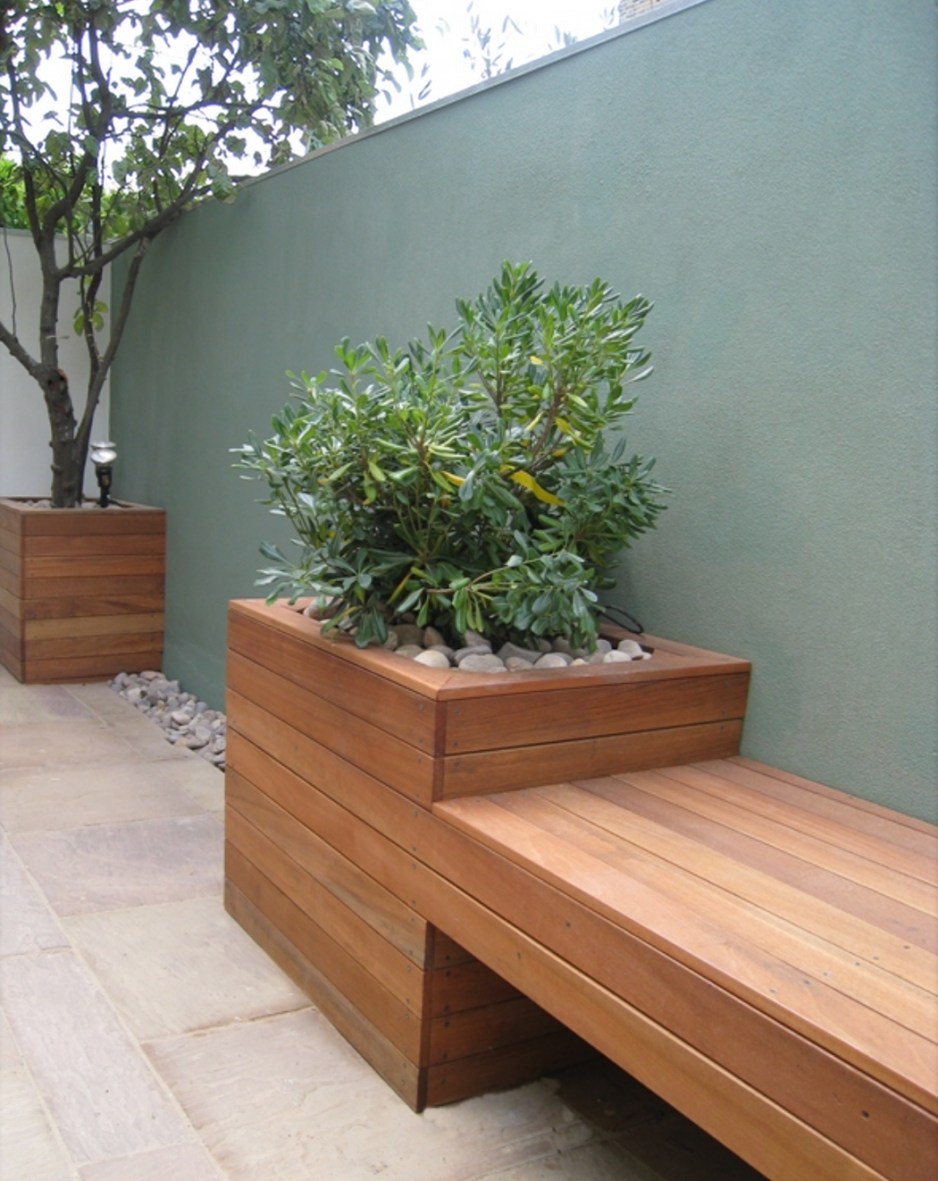 Built In Outdoor Seating Home Design Ideas Pictures: Built-in Planter