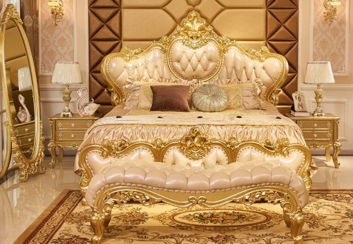Italian Style Luxury Solid Wood Hand Carved Bed Sets In Bedroom