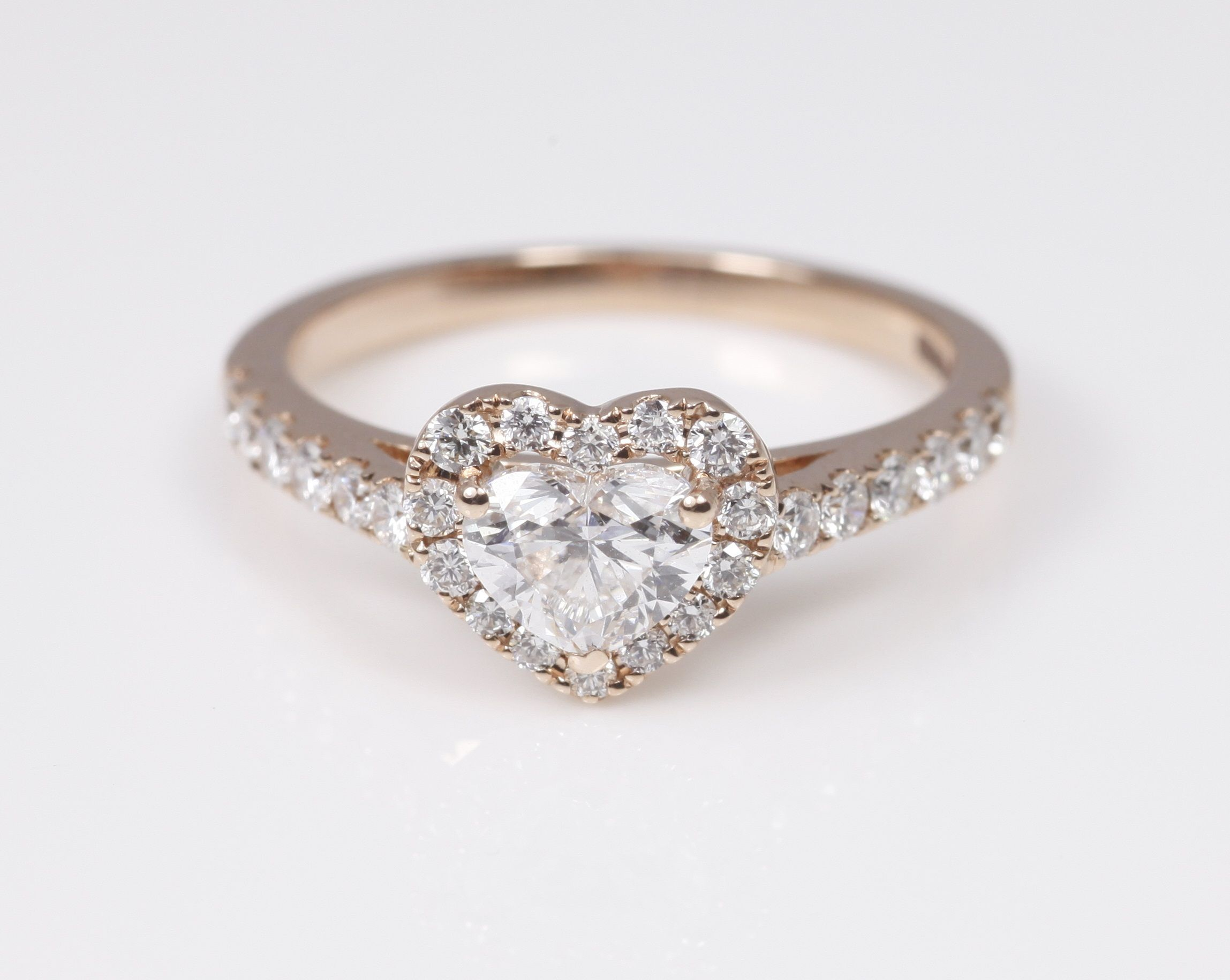 a lovely heart shape ring in rose gold the most romantic choice