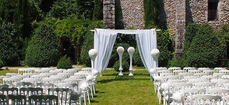 d coration de c r monie en ext rieur location chaises napol on arche huppa fleurs housses. Black Bedroom Furniture Sets. Home Design Ideas