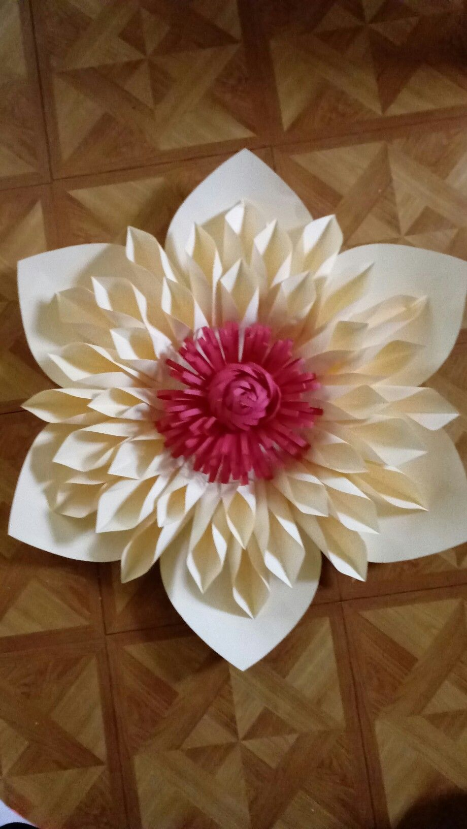 Pin By Beverly Gibbs On Paper Flowers By Beverly Gibbs Pinterest
