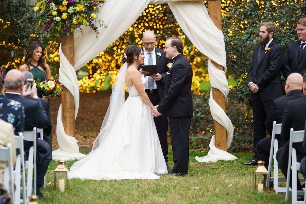 Brye Brett S Endearing Wedding At The Houstonian Hotel In Houston Tx M In 2020 Houston Wedding Photographer Texas Wedding Photographer Outdoor Wedding Inspiration