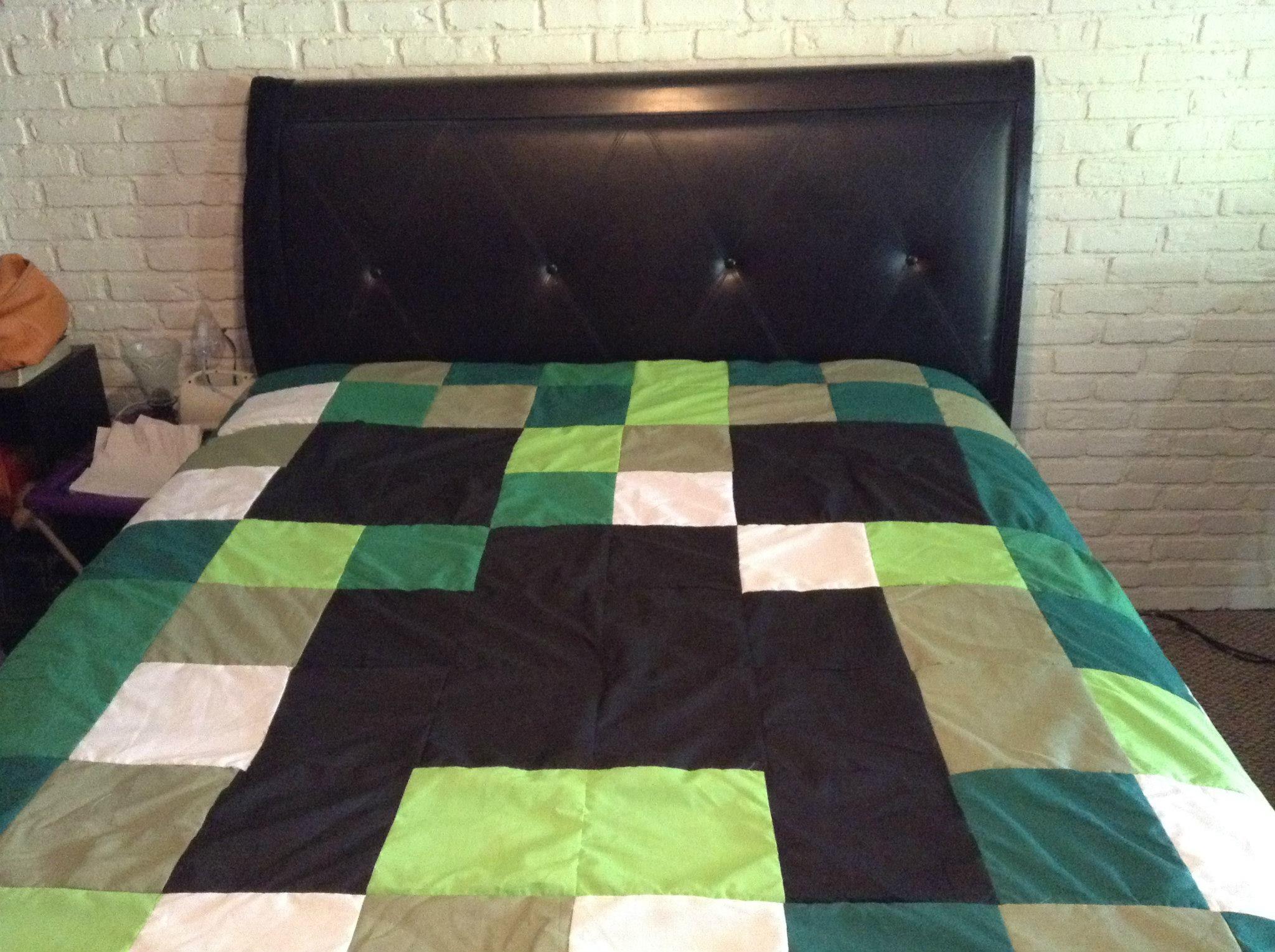 Minecraft Creeper Handmade quilt ** ON SALE NOW! www.etsy.com/shop/bluesleepyowl