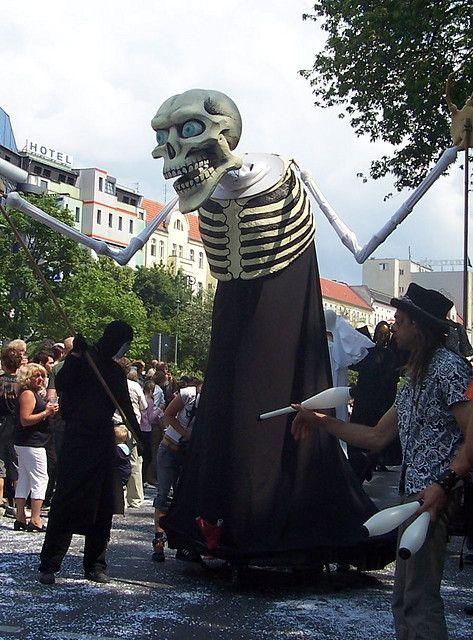 20a Hura Echt Street Puppets | Puppets in 2019 | Puppets