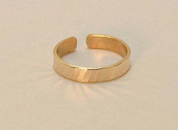 14k Solid Yellow Gold Hammered Toe Ring Solid 14k Gold Etsy Toe Rings Gold Toe Rings Rings