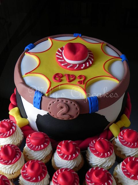 Cake And Cupcakes Jessie Toy Story Para Eva With Images Toy