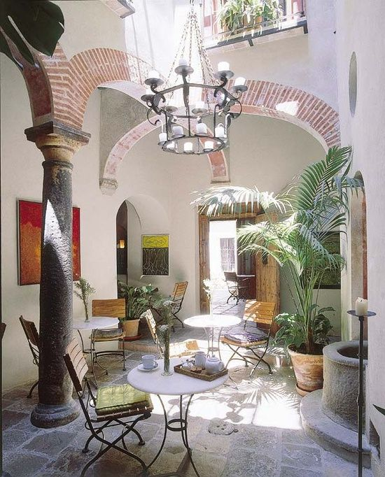 Mediterranean Style Courtyard: Courtyards, Paths, Pools
