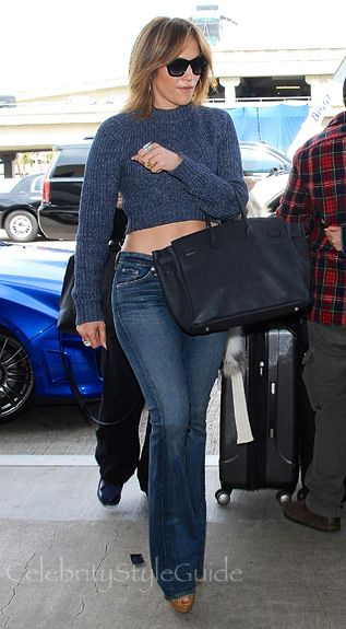 289e6d28978d Jennifer Lopez Shows Us Why Flare Jeans Rock