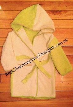 DIY Albornoz de niño reciclando dos toallas de bebé con capucha