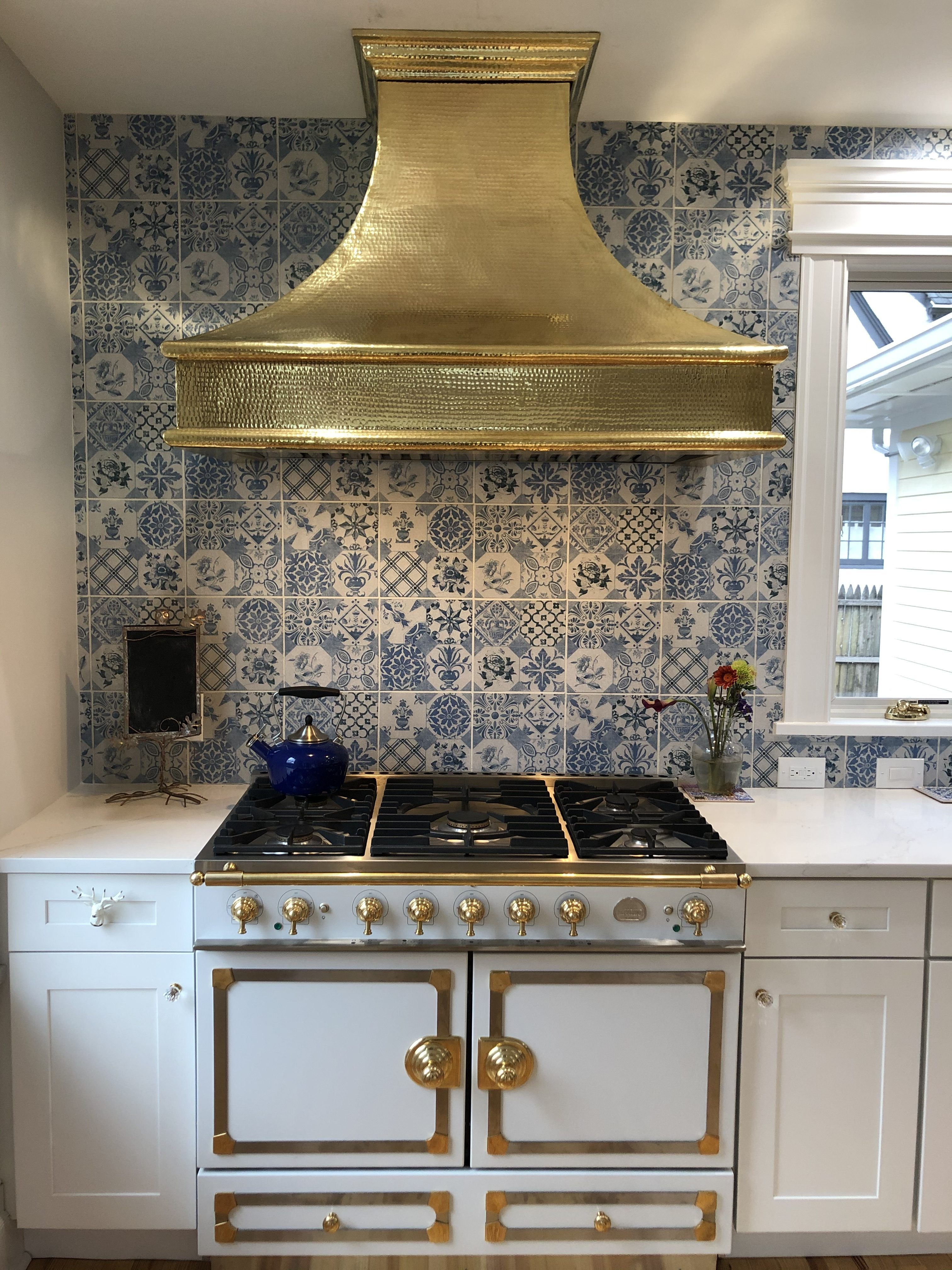 The Ultimate Range Hood Buyers Guide Coppersmith Kitchen Ventilation Tuscan Kitchen Range Hood