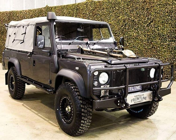 land rover defender 110 td5 soft top extreme adventure so nice for australian magic trucks. Black Bedroom Furniture Sets. Home Design Ideas