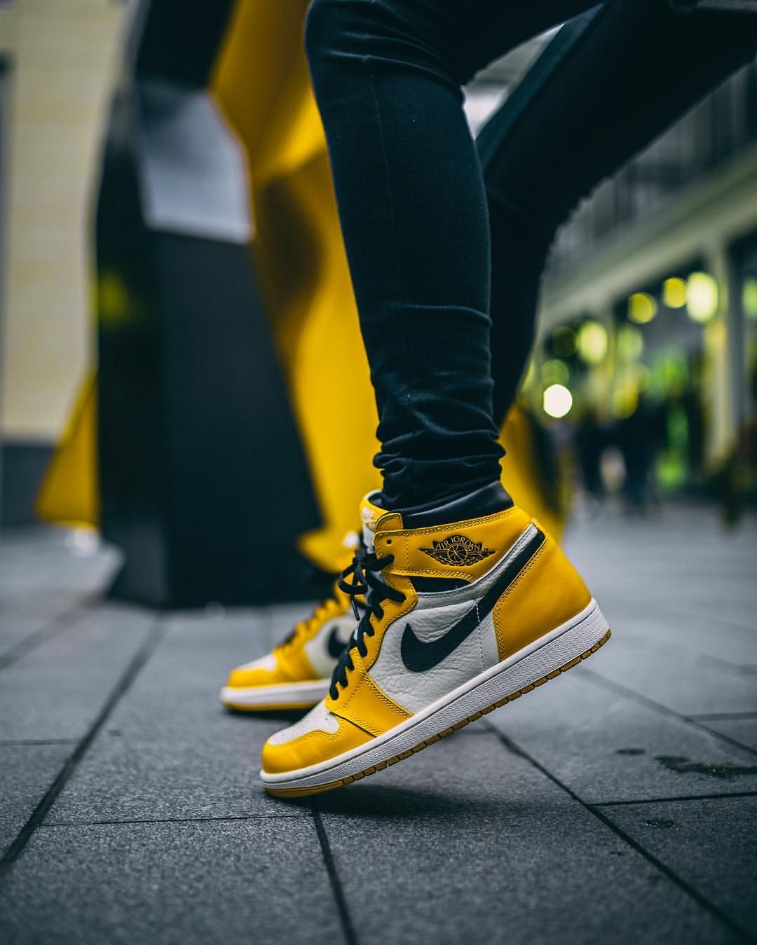 timeless design 4e761 1ccf6 Nike Air Jordan 1. Nike Air Jordan 1 Nike Jordans Women, Sneakers Nike  Jordan, Jordan Basketball Shoes,