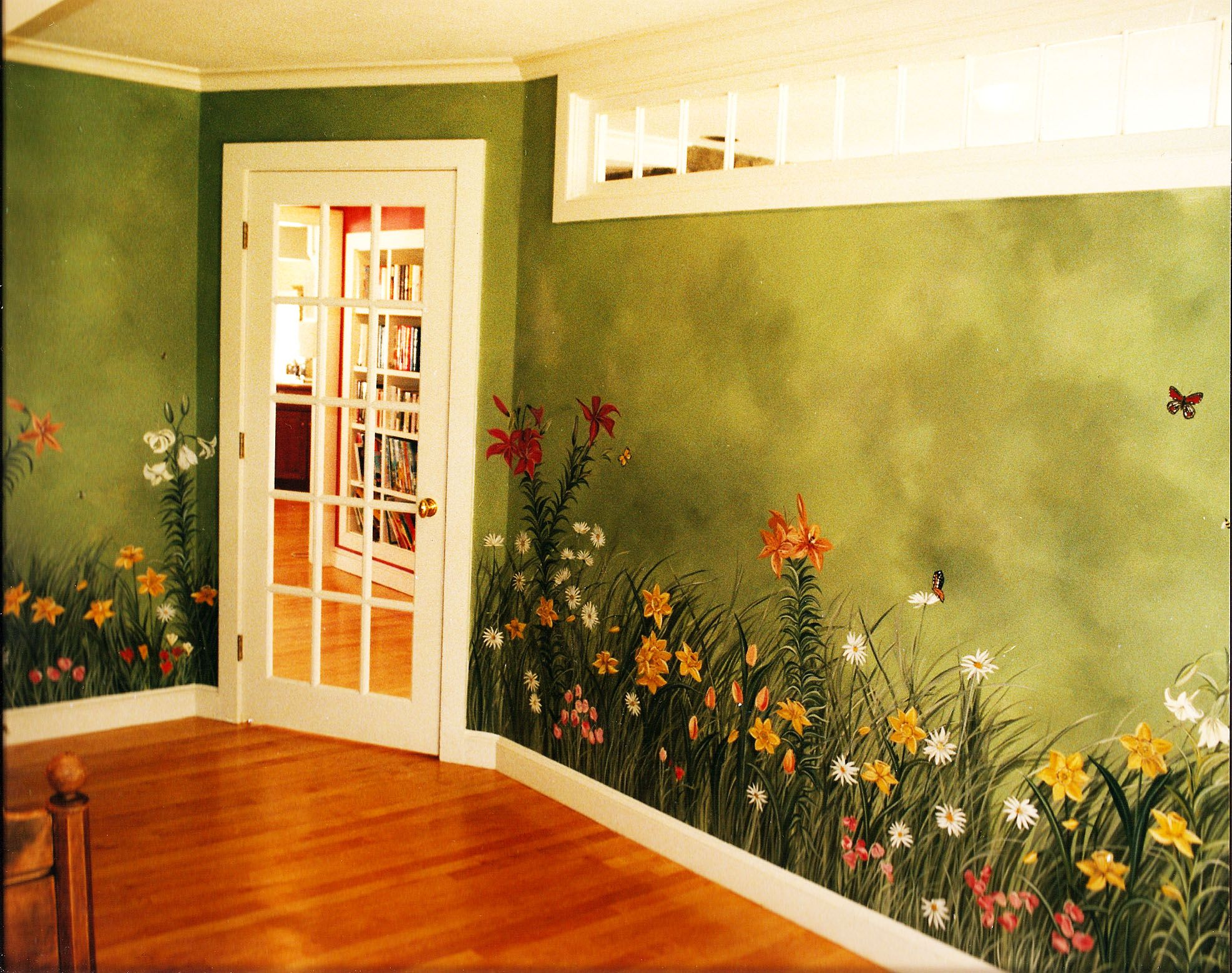 painted flowers on wall -by Rachel Nacer | Kids bedrooms | Pinterest ...