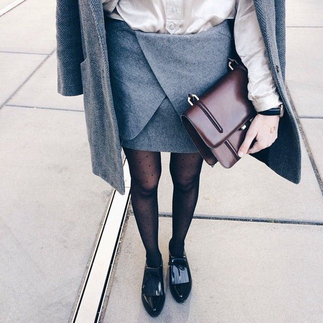 Today in my favorite silk blouse and a double dose of grey ➰| #ootd #thefashioncuisine