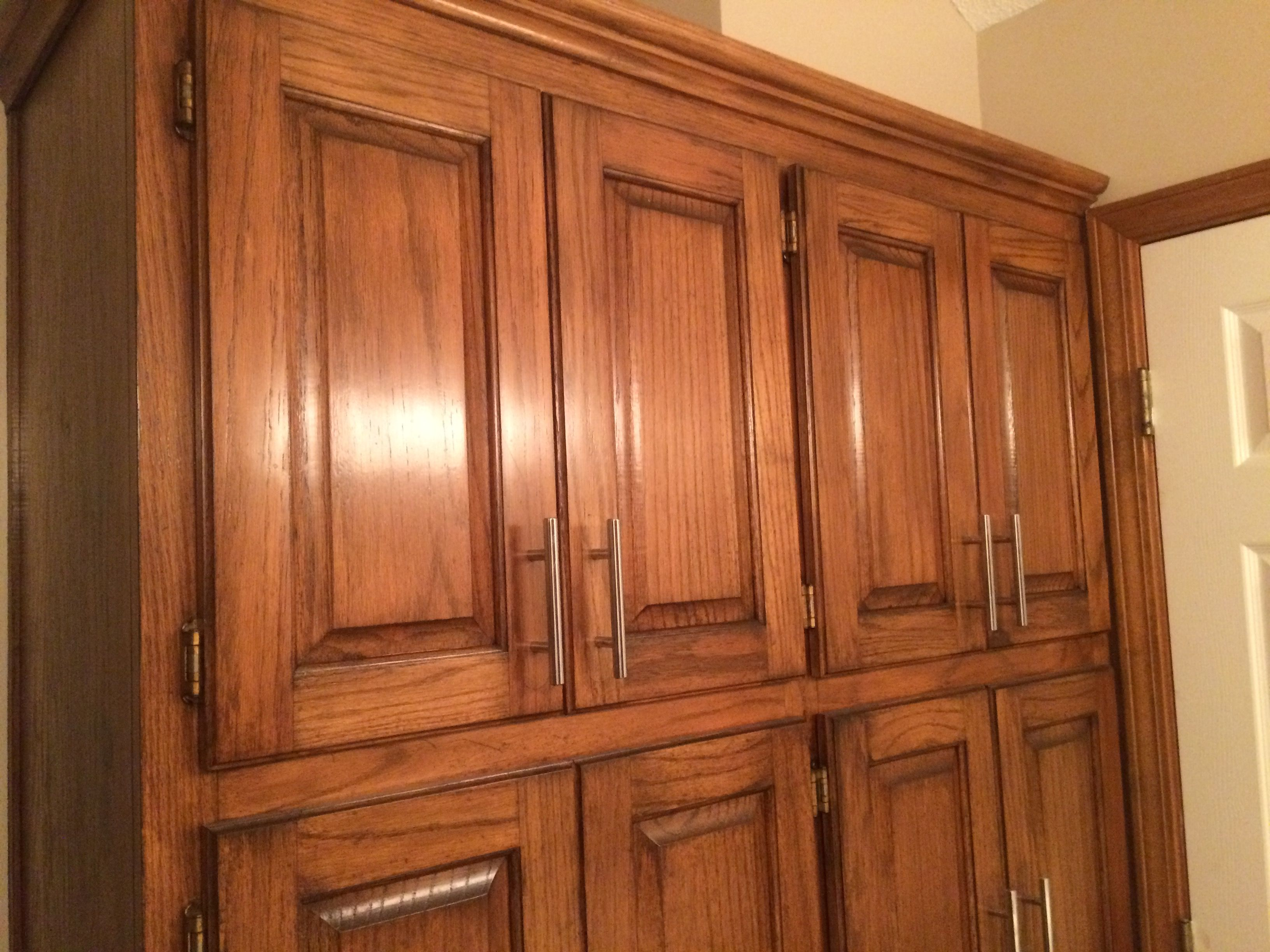Golden Oak cabinets enhanced with mahogany gel stain | Gel ...