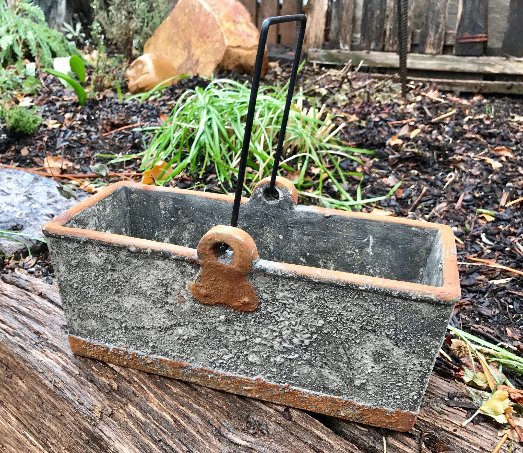 Concrete Rectangle Bucket w/Handle