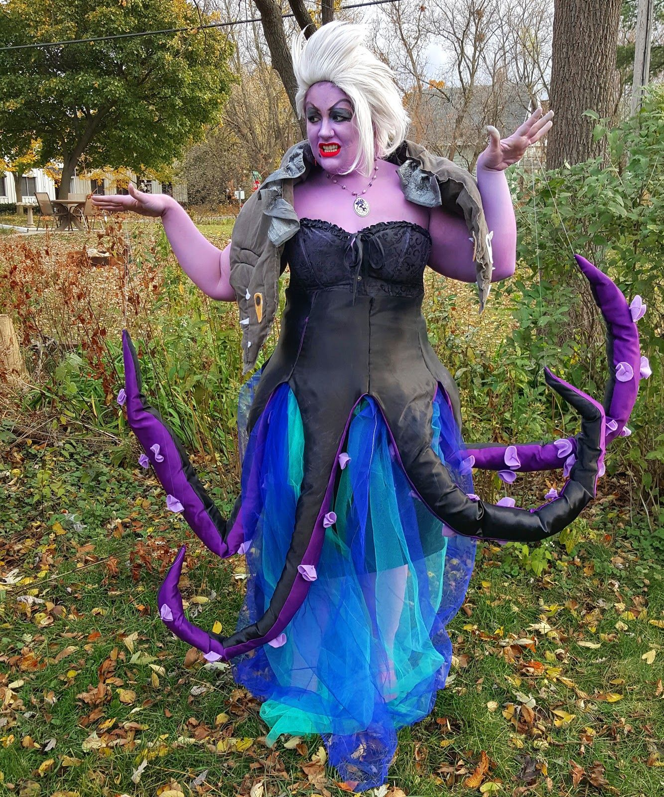 Ursula from the little mermaid diy costume the halloweenies ursula from the little mermaid diy costume solutioingenieria Images