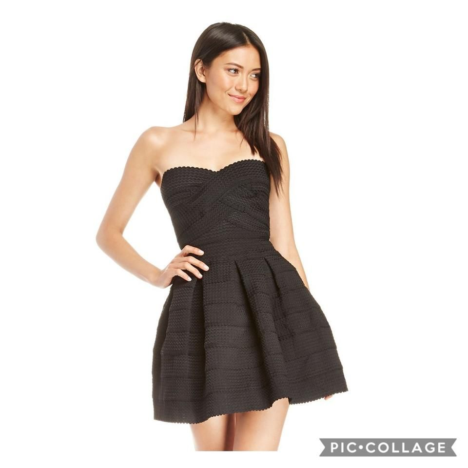 B Darlin Black Strapless Fit And Flare Bandage Mid Length Cocktail Dress Size 6 S In 2021 Fit And Flare Dress Strapless Dresses Short Dresses [ 960 x 960 Pixel ]