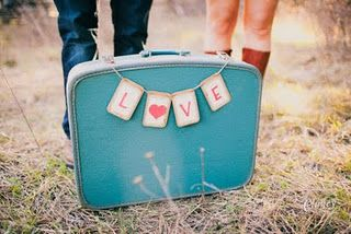 Vintage suitcase. Yum.