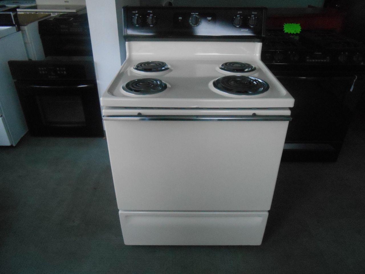 Appliance City - HOTPOINT FREE STANDING 30 INCH ELECTRIC RANGE ...