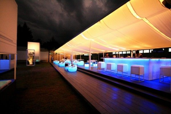 """Architizer Blog » A New Dining Experience, Complete with a """"Piece"""" of the Sky"""