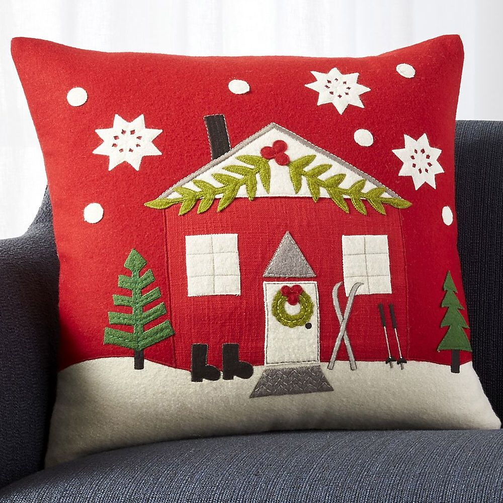 My Chalet Pillow Design Exclusively For Crateandbarrel Is Part Of Their Cybermonday Sale Link In Bio Swipe Con Imagenes Cojines Navidenos Almohadones Navidenos Cojines