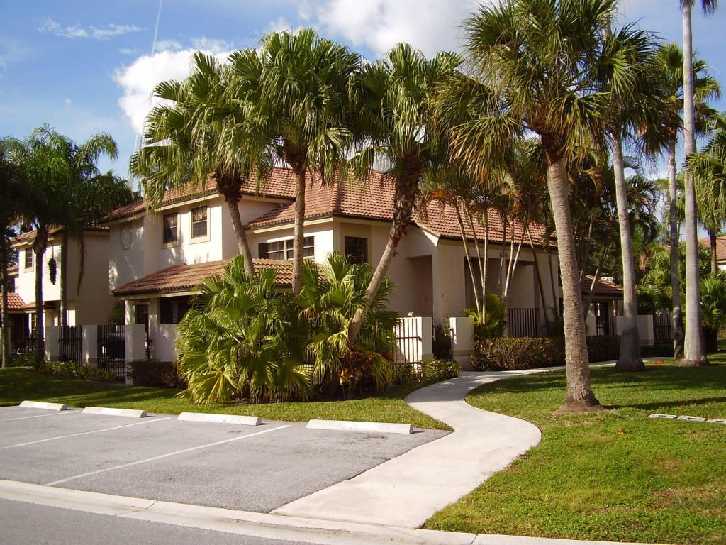 9e44c54c5933db7ecfd770a81d56ad4d - Luxury Apartments For Rent In Palm Beach Gardens