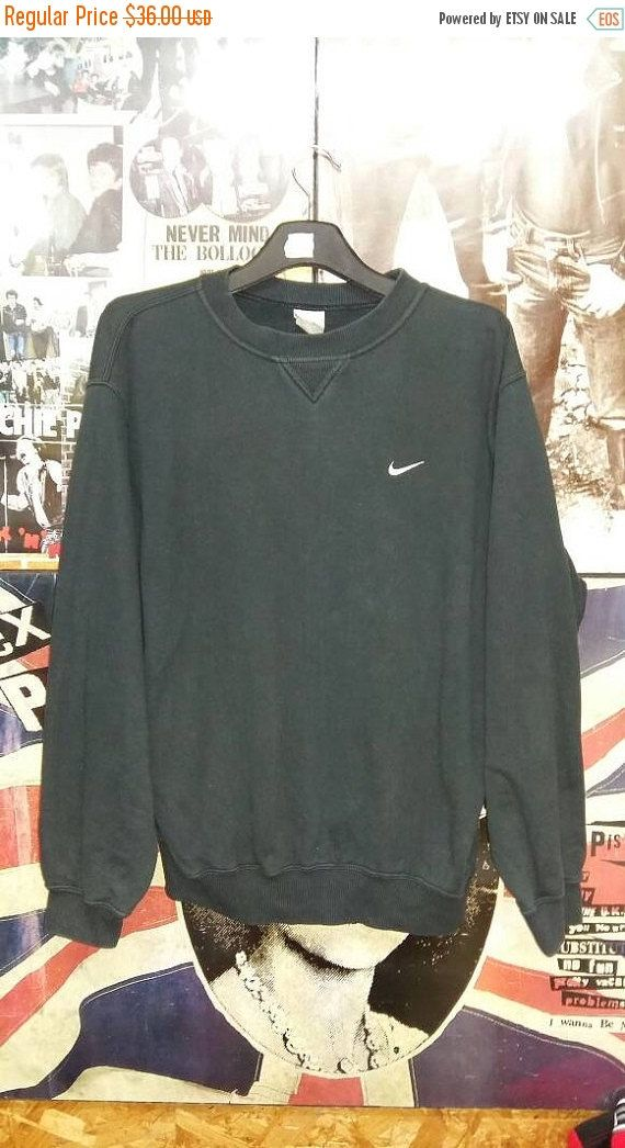 30 Off Vintage Nike Crewneck Pullover By Junkdeluxeretro On Etsy Vintage Crewneck Sweatshirt Black Sweatshirts Sweatshirts