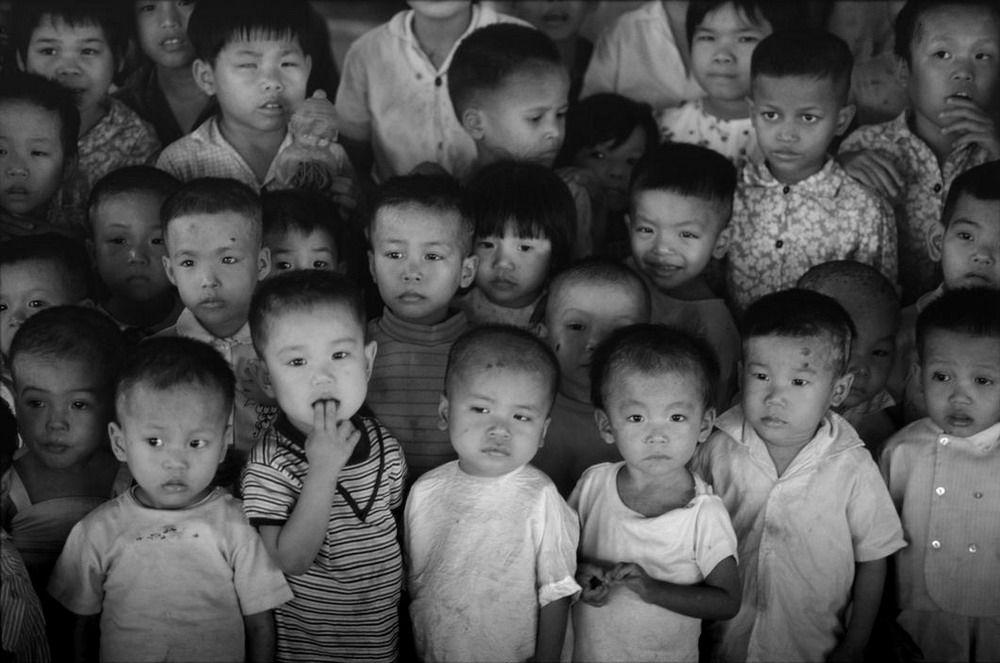 Nhiều đứa trẻ trong trại có cha mẹ đã mất trong cuộc chiến tranh Việt nam.1980
