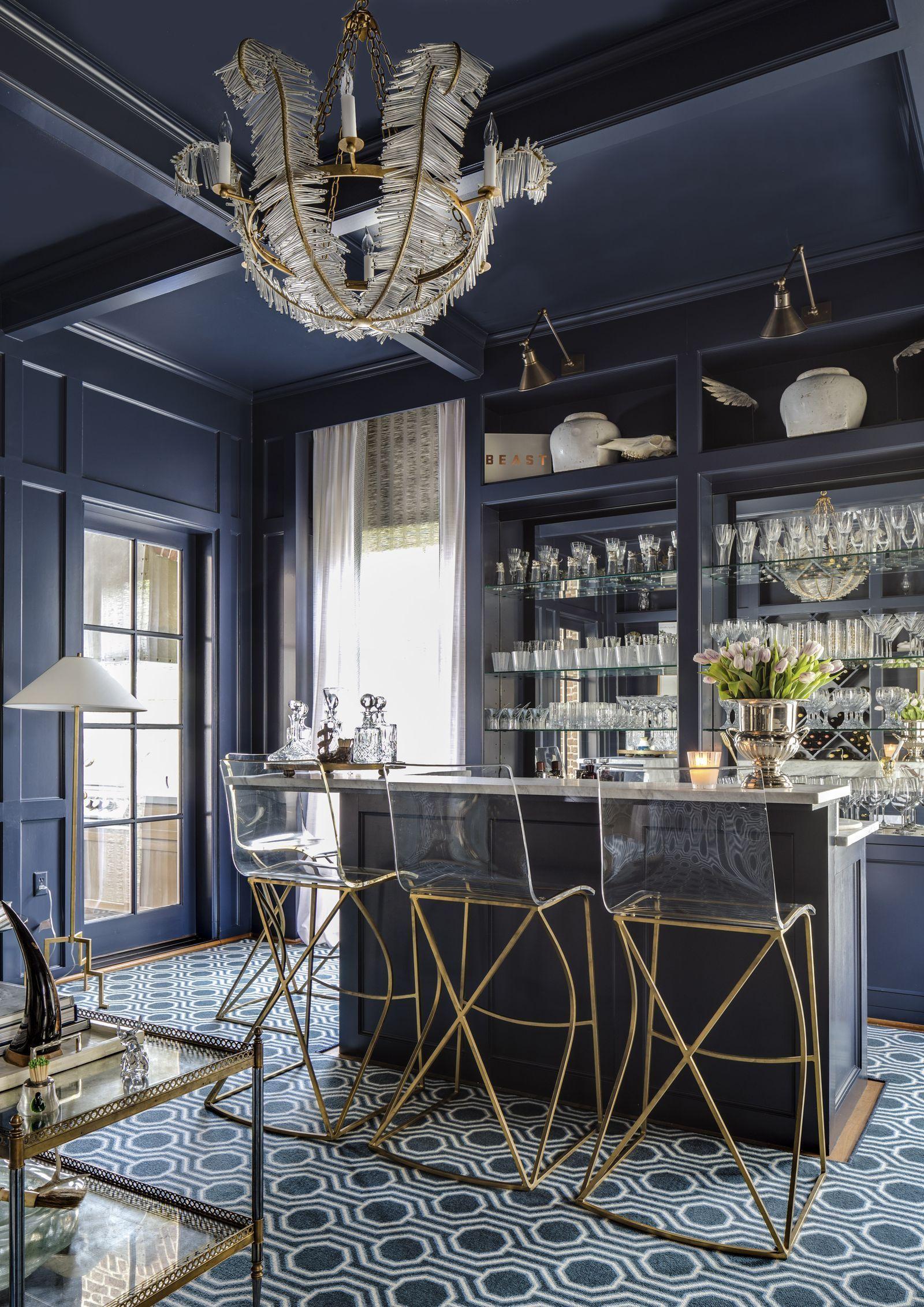 Top 10 Breathtaking Home Bar Designs