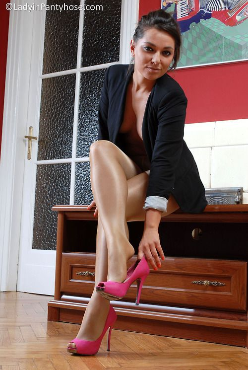 dc8b276086f Fukable shiny tan pantyhose feet with pink open toe pumps.