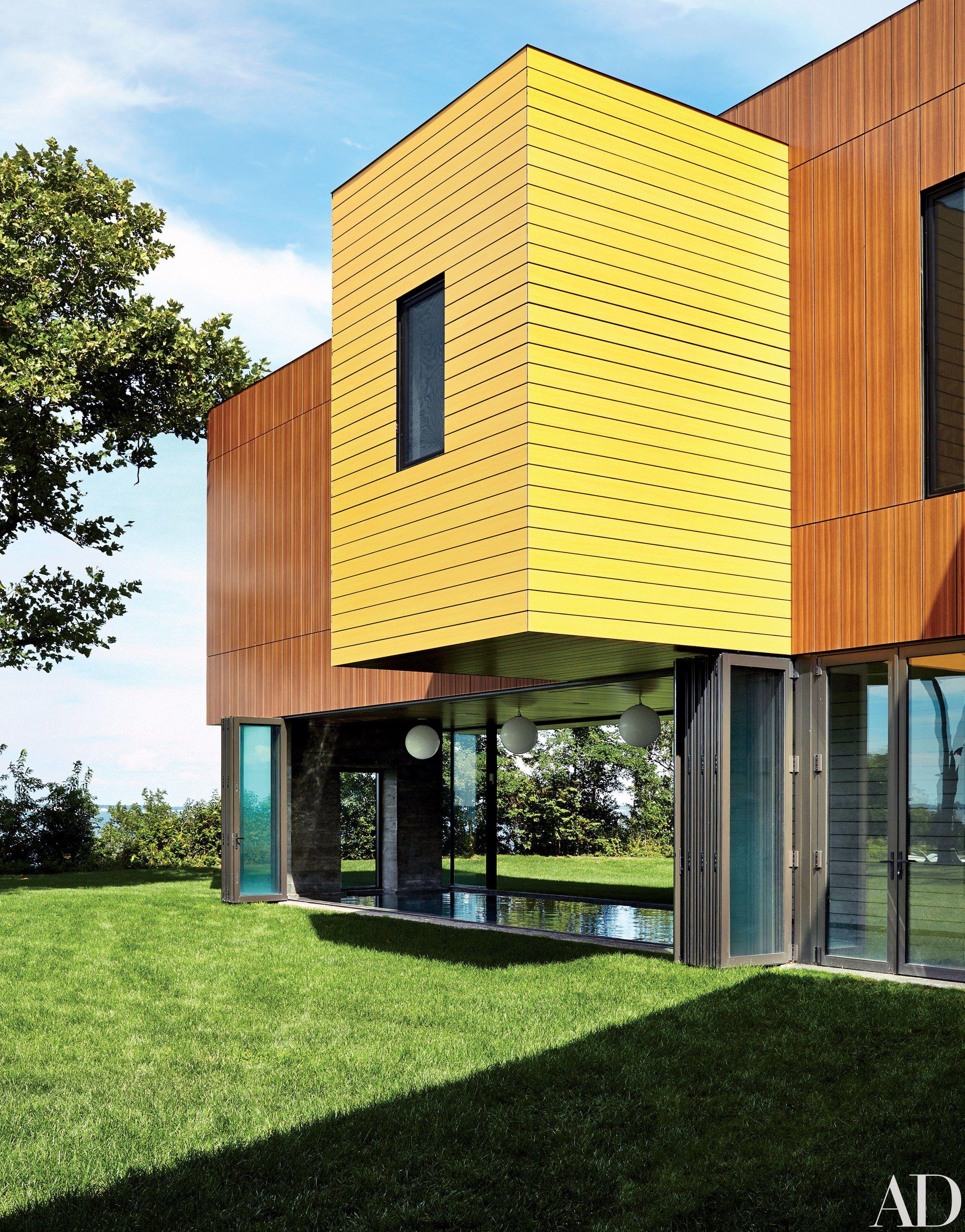 Interior Designer Muriel Brandolinis Vibrant Hamptons Beach House Photos -