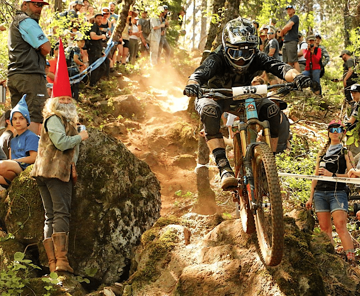 Photo of the Day: Enduro Action in the Woods of Nombs ...