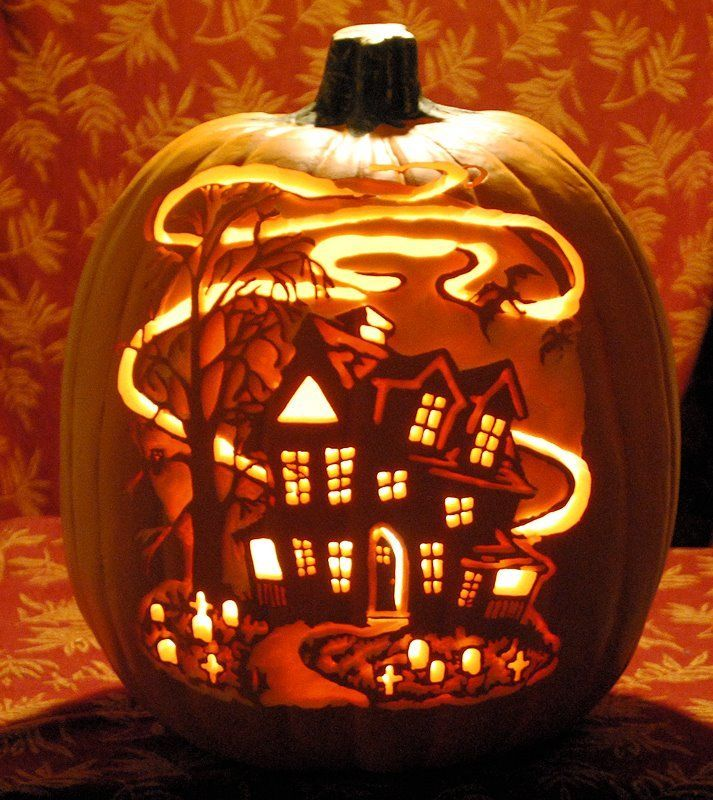 Haunted House Carved on a Funkin Classic #8 Carved by St0ney ~ stoneykins.com #pumpkincarvingstencils