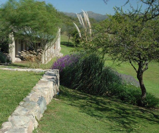 Paisajismo jardin ideas arquitectura sierras de for Paisajismo jardines casas