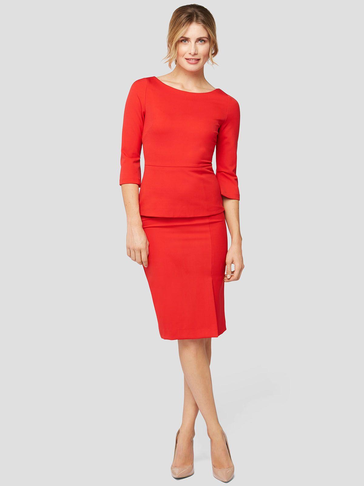dieses elegante rote kleid im etui-schnitt mit geh-schlitz