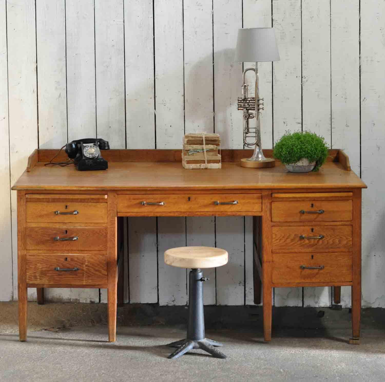 1930's-Vintage-Oak-Gentleman's-Desk-and-Drawers-10. - 1930's-Vintage-Oak-Gentleman's-Desk-and-Drawers-10.jpg (1500×1487