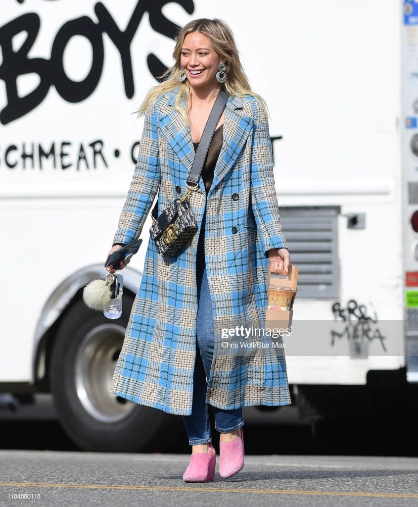 Hilary Duff Is Seen On November 26 2019 In Los Angeles California Daily Street Style Red Carpet Fashion The Duff