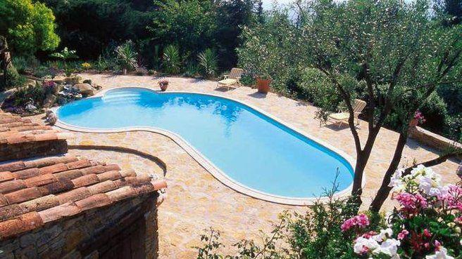 10 piscines aux formes originales // http//www.deco.fr