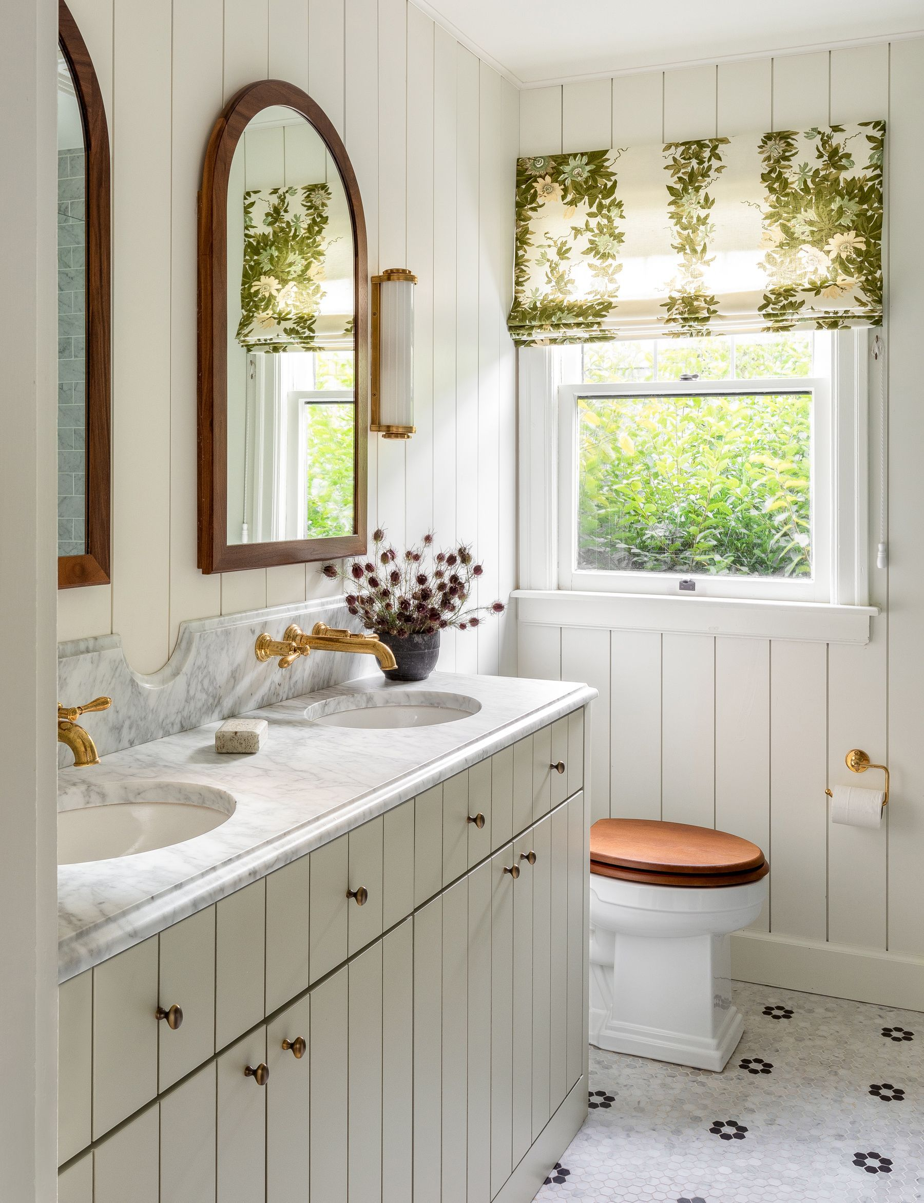 8 Magnificent Home Remodel Open Concept Stupendous Ideas In 2020 Bathroom Farmhouse Style Bathroom Trends English Cottage Style