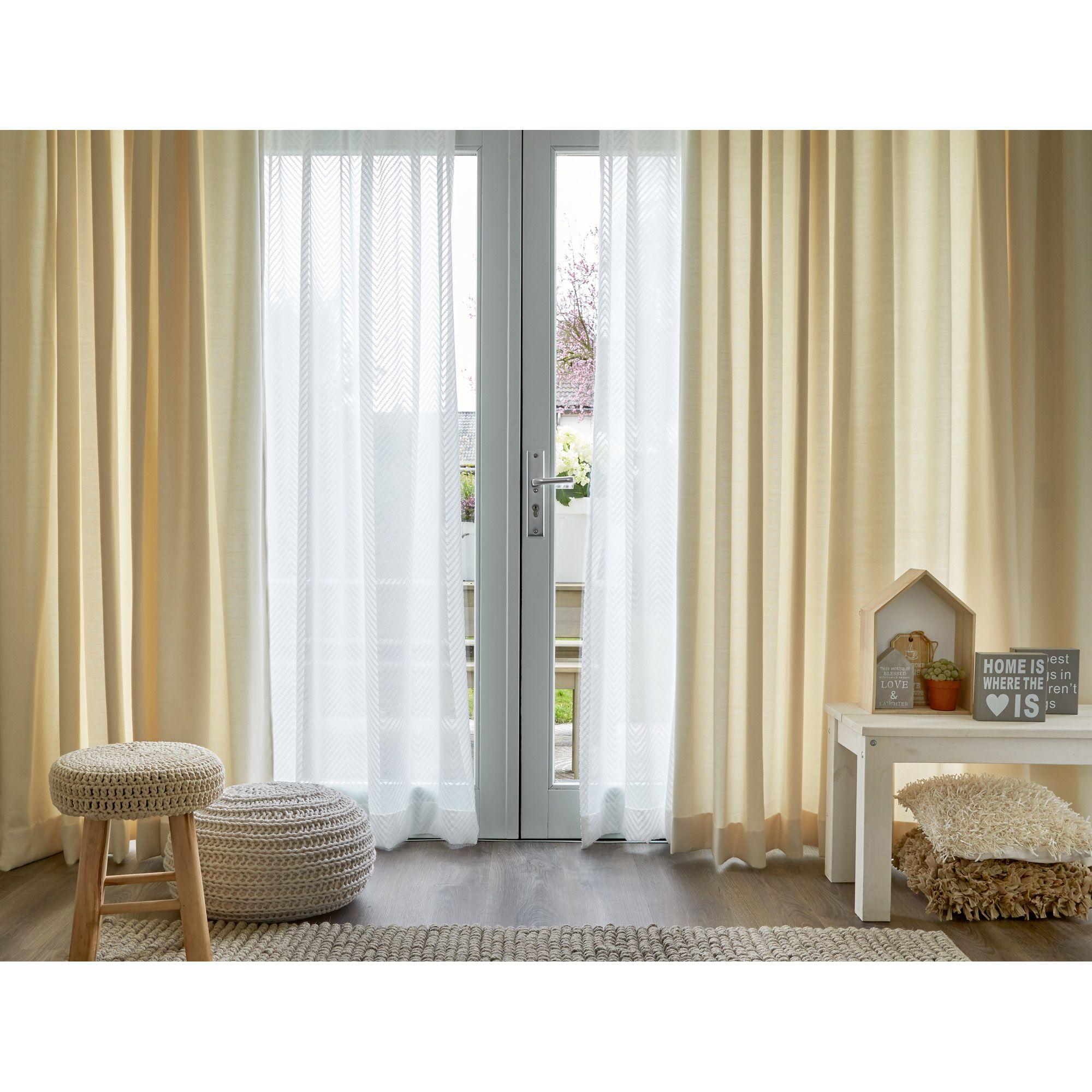 Lekker licht gordijnen raambekleding - Ouderlijke doucheruimte kleedkamer volgende ...