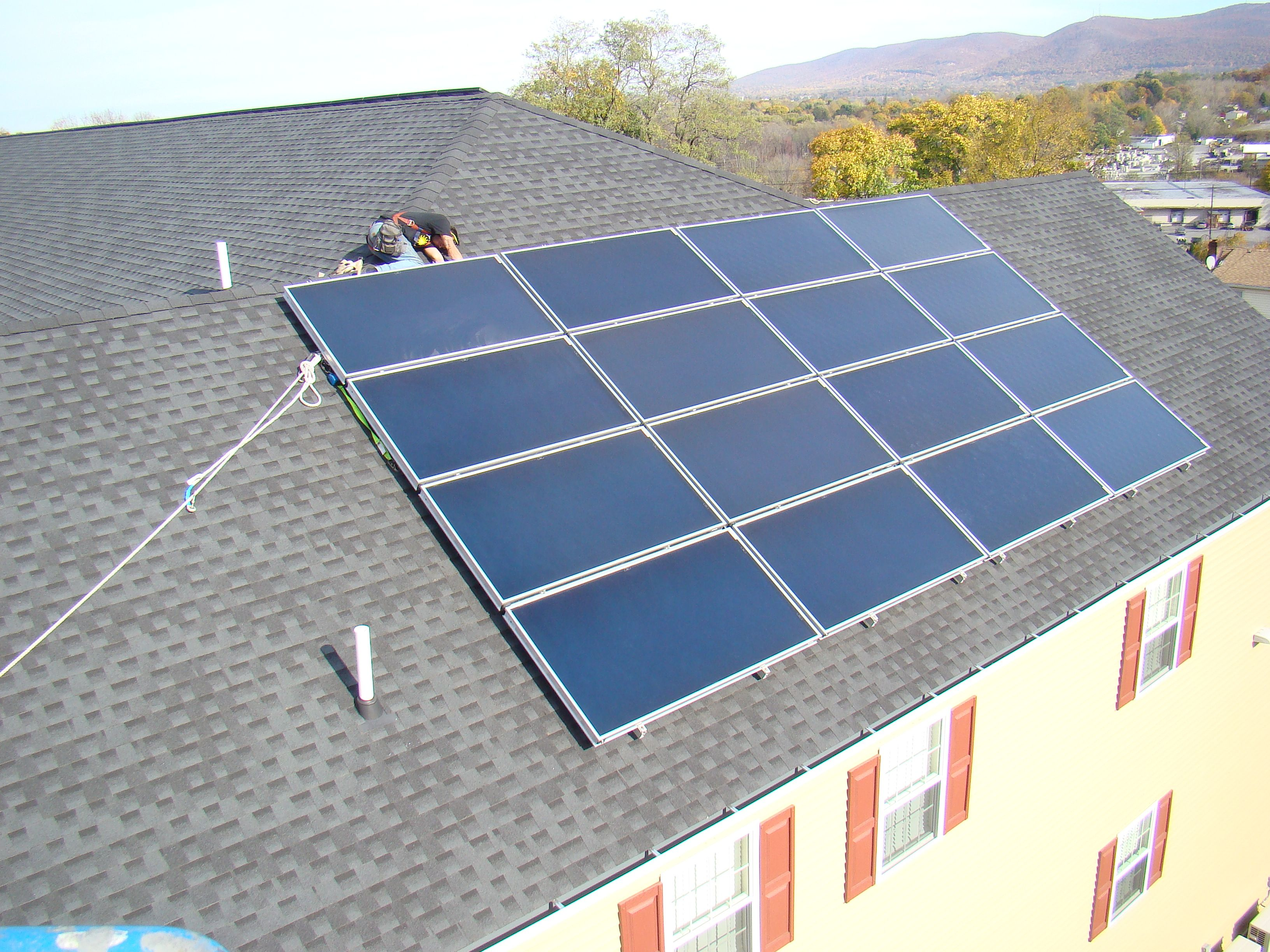 Flat Plat Solar Thermal System on an apartment house in Newburgh