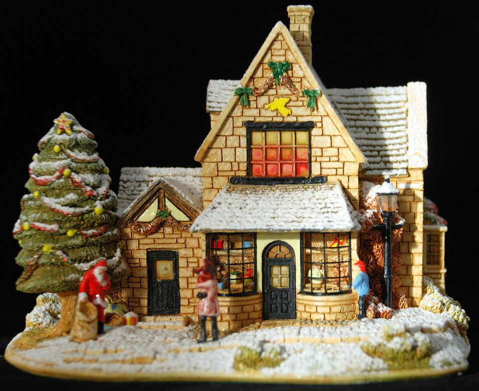 """Lilliput Lane """"All I Want for Christmas"""" - L2936 - Brand New and Boxed - Retired"""