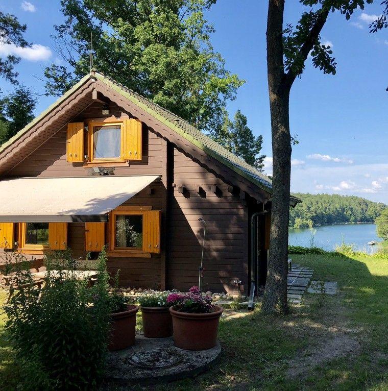 Mieten Sie Dieses Komfortable Ferienhaus Inkl Wlan Fur Ihren Urlaub Mit Privatem Bootssteg Ferienhaus Am See Ferienhaus Mieten Ferienhaus Am See Deutschland