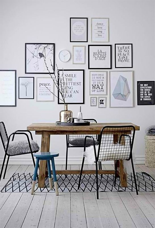 mur de cadres cuisines salles manger deco murale. Black Bedroom Furniture Sets. Home Design Ideas