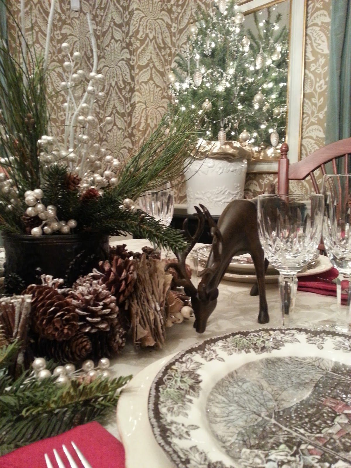 woodland themed holiday table do it yourself pinterest weihnachtstisch weihnachten und deko. Black Bedroom Furniture Sets. Home Design Ideas
